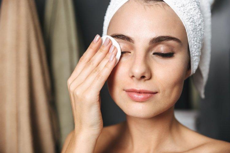 Consejos para lavarse la cara por las noches - Belleza y Salud